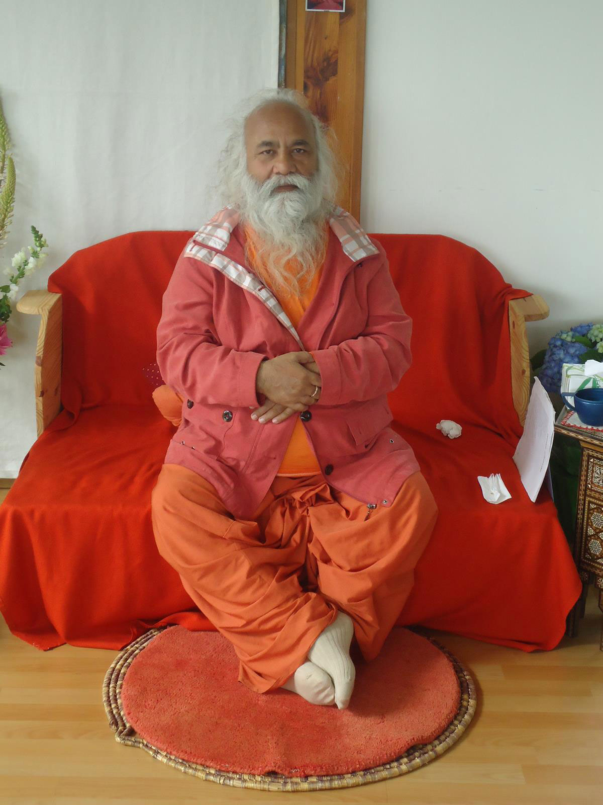 1-swamiji-paris