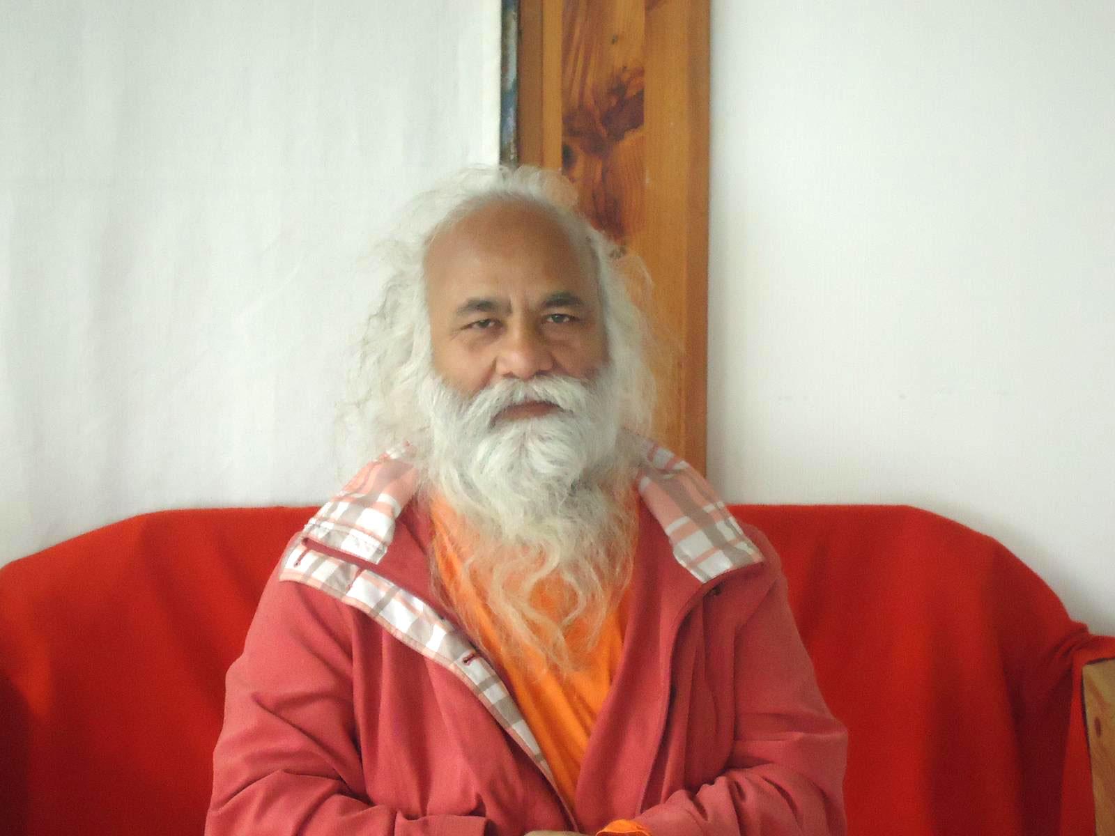 3-swamiji-paris